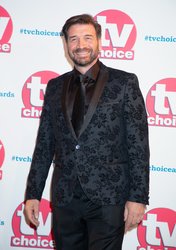 Nick Knowles,